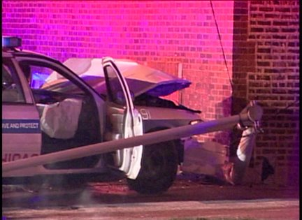 3 Chicago cops injured in high speed chase crash