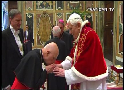 Chicago's Cardinal George bids farewell, kisses hand of Pope Benedict