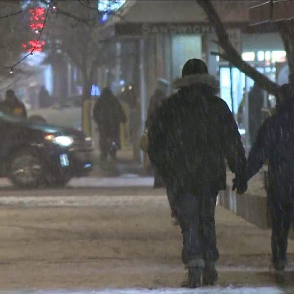 winterpeoplewalking