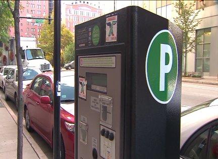 Mayor Emanuel overhauls Chicago parking meter contract