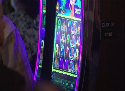 Illinois Senate passes gambling bill with Chicago casino