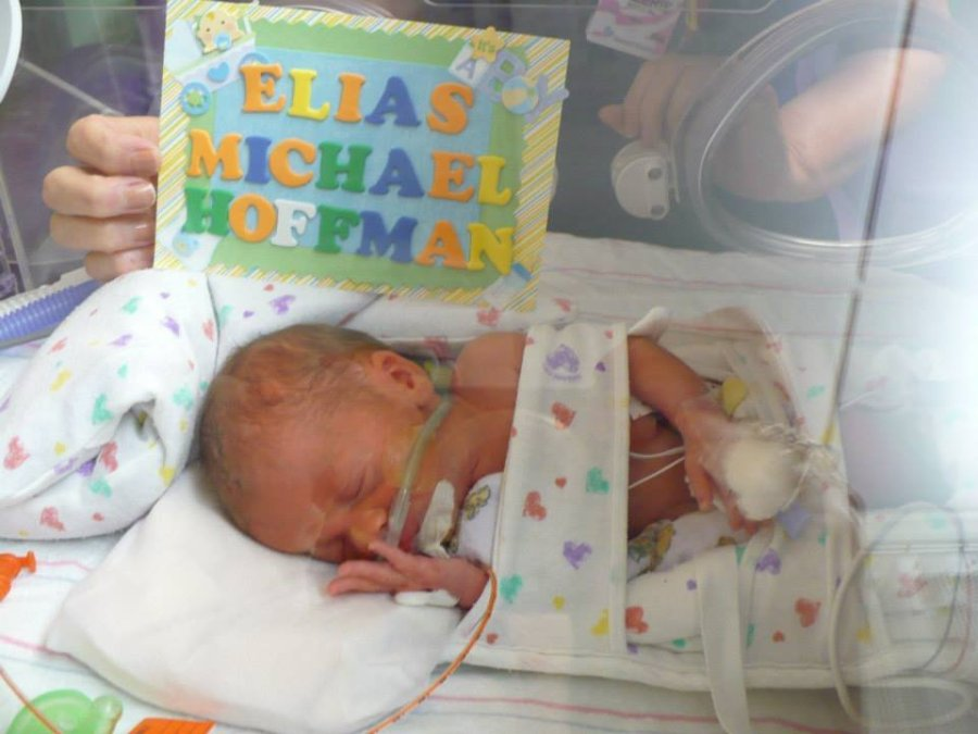 Family gives birth to quintuplets
