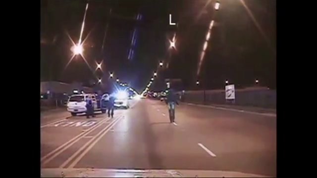 Chicago Releases Dash Cam Video Of Officer Shooting Laquan Mcdonald Warning Graphic Wgn Tv