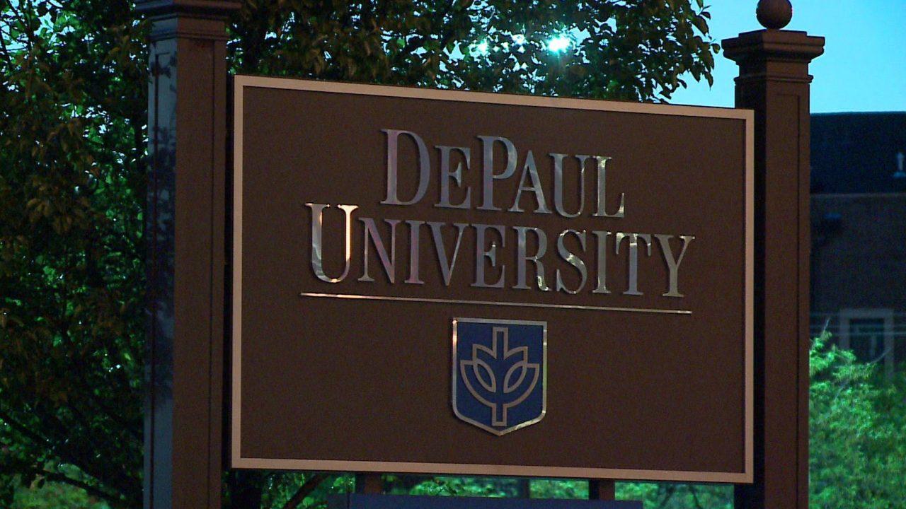 DePaul Mitglied der Fakultät, U. C. student-test positiv für COVID-19