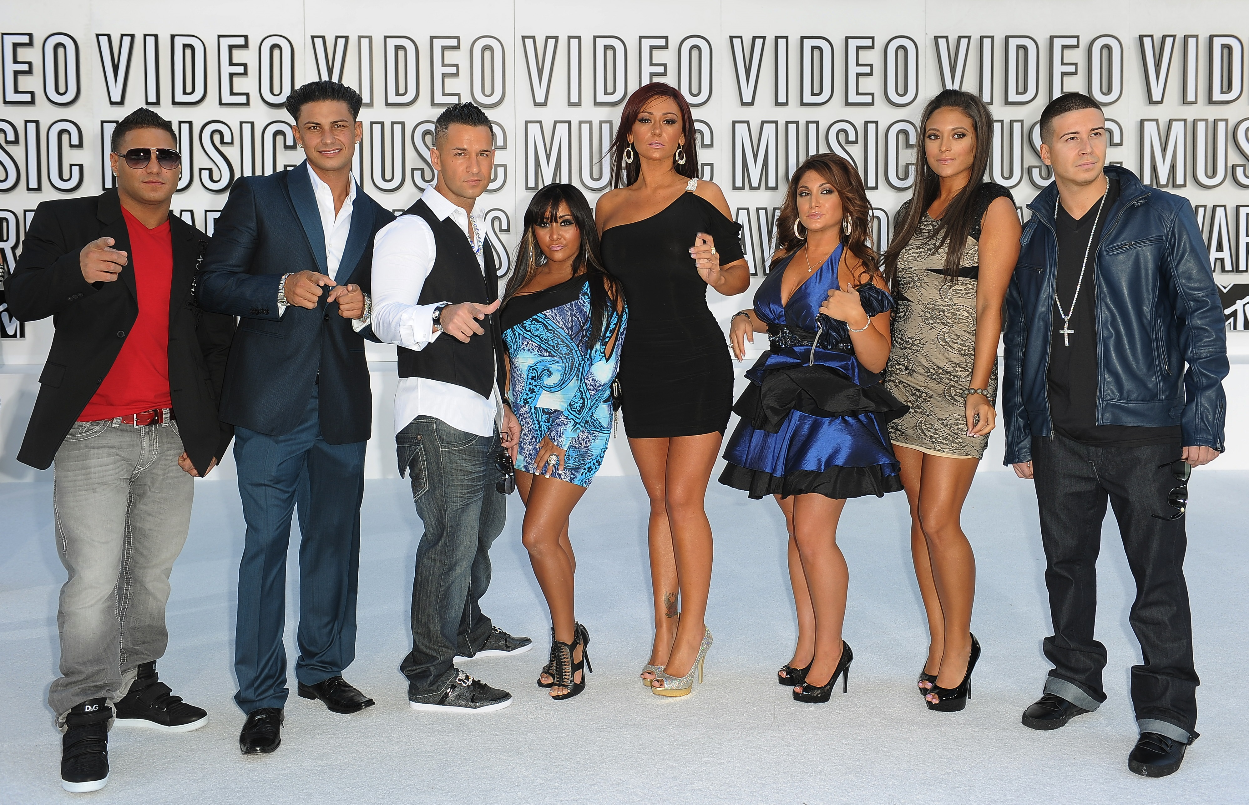 Jersey Shore' cast to reunite on MTV for 'Family Vacation' | WGN-TV