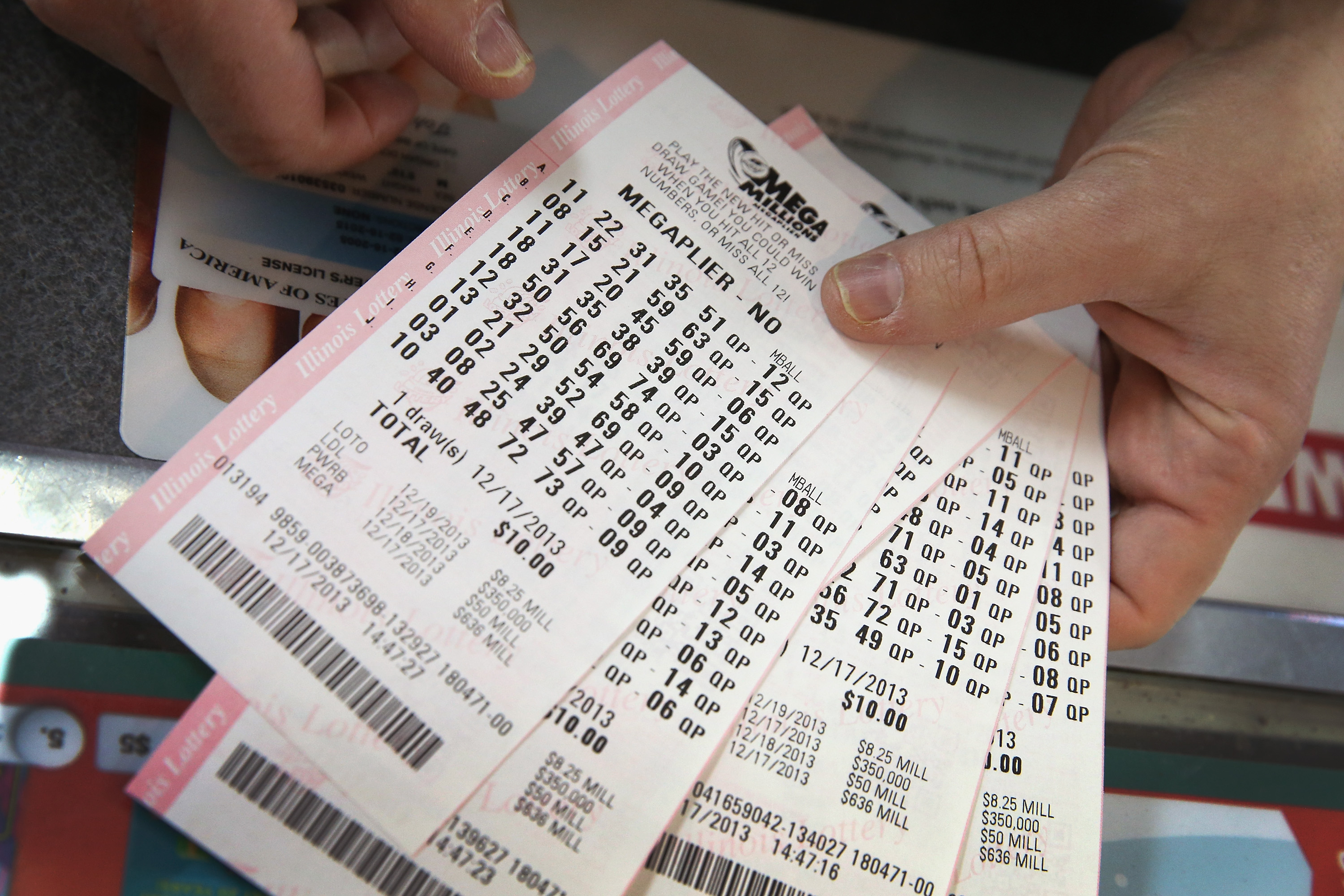 How To Get A Free Ticket For Tonight S 548m Mega Millions Drawing Wgn Tv