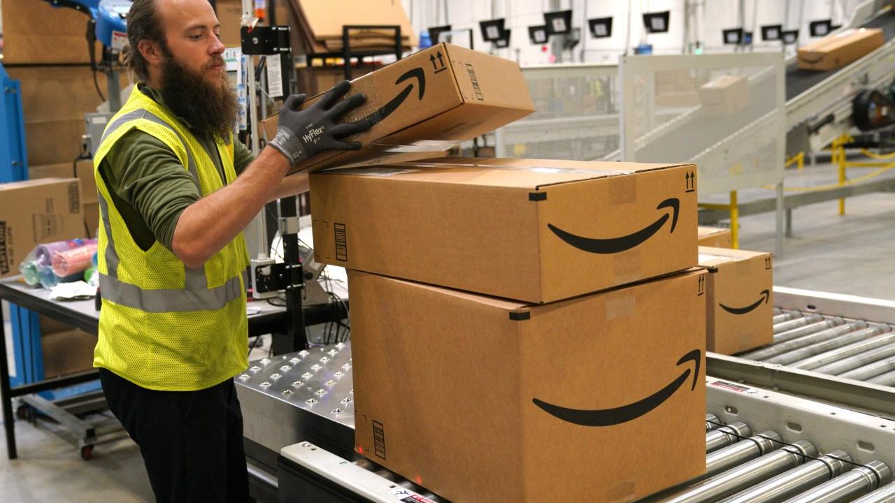 Amazon sucht zu mieten 100,000 zu halten mit dem Anstieg der Aufträge