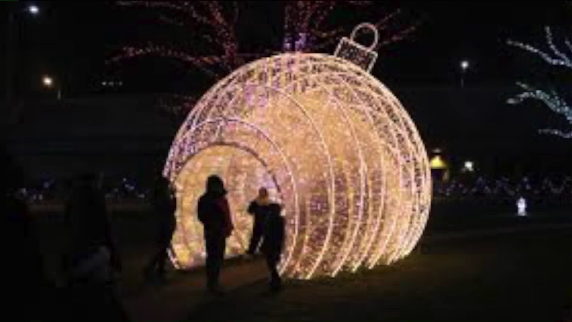 Rosemont Christmas Lights 2020 How Rosemont prepares for its annual Christmas light displays | WGN TV