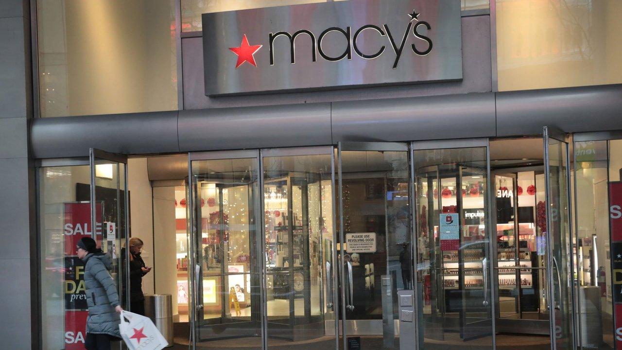 Macy ' s um Urlaub mit der Mehrheit seiner rund 130.000 Arbeitnehmer