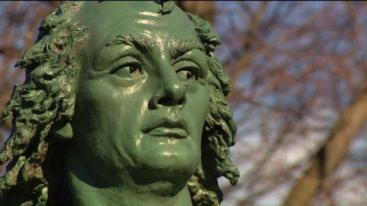 Mayor Lightfoot says she won't support eliminating Columbus Day despite CPS decision