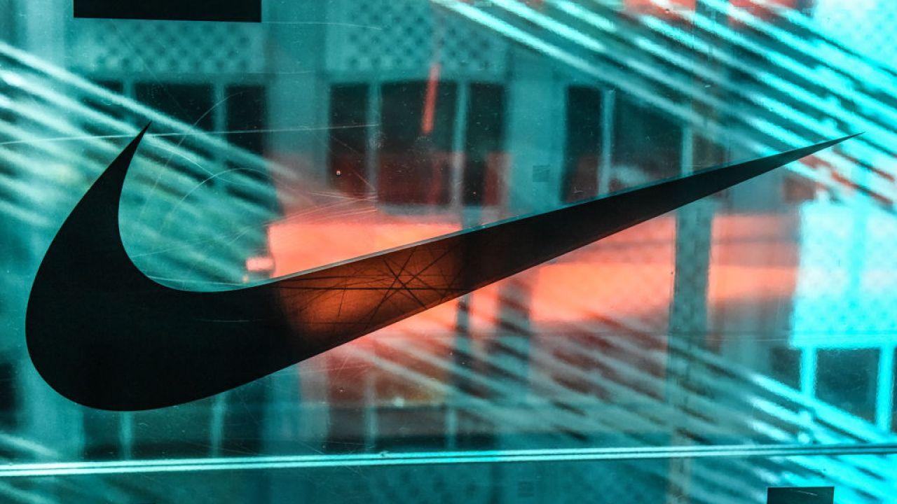 Nike閉会のすべての店舗以上のよCOVID-19