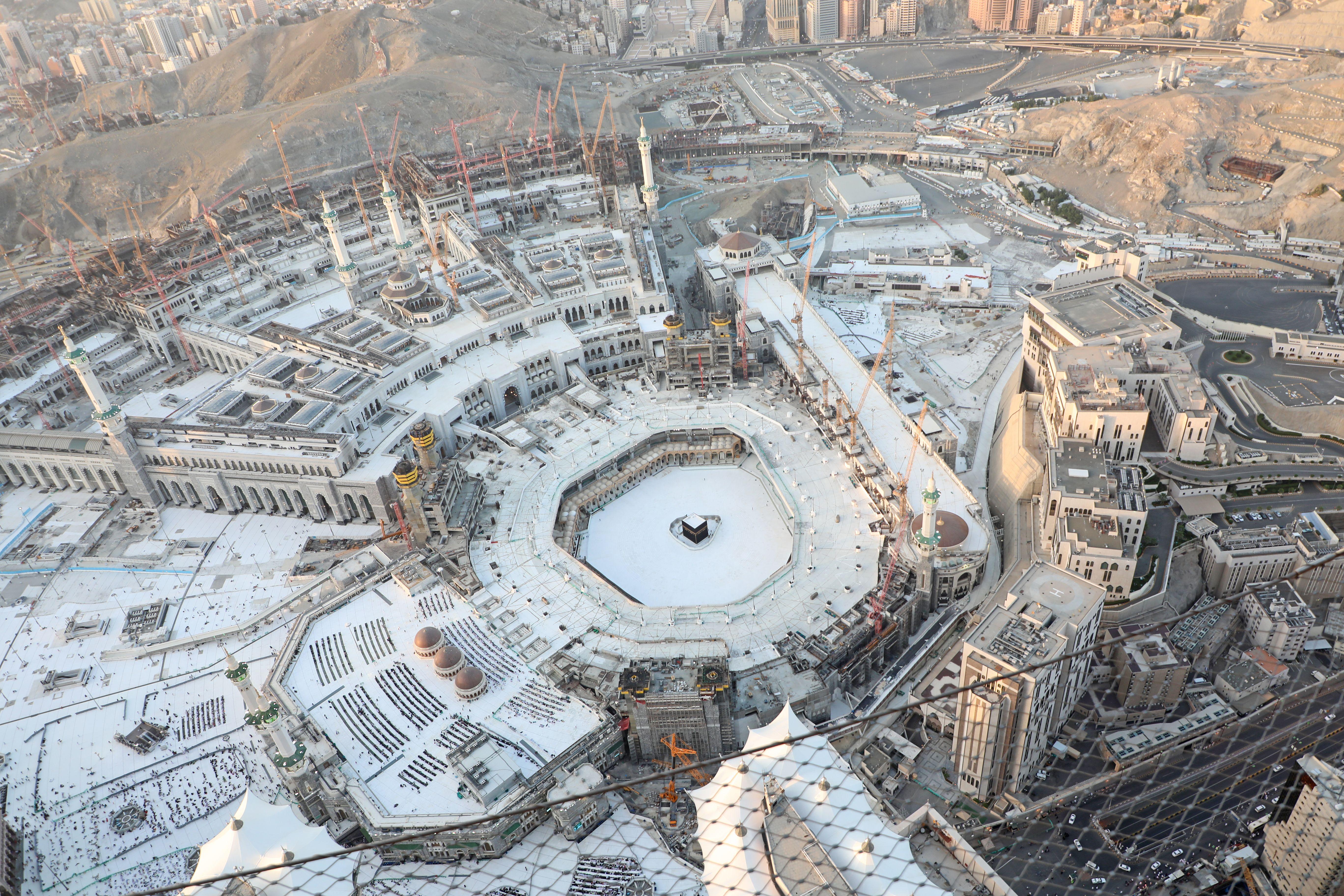 Saudi Arabia Temporarily Bans Pilgrimage To Mecca Amid Coronavirus Concerns Wgn Tv