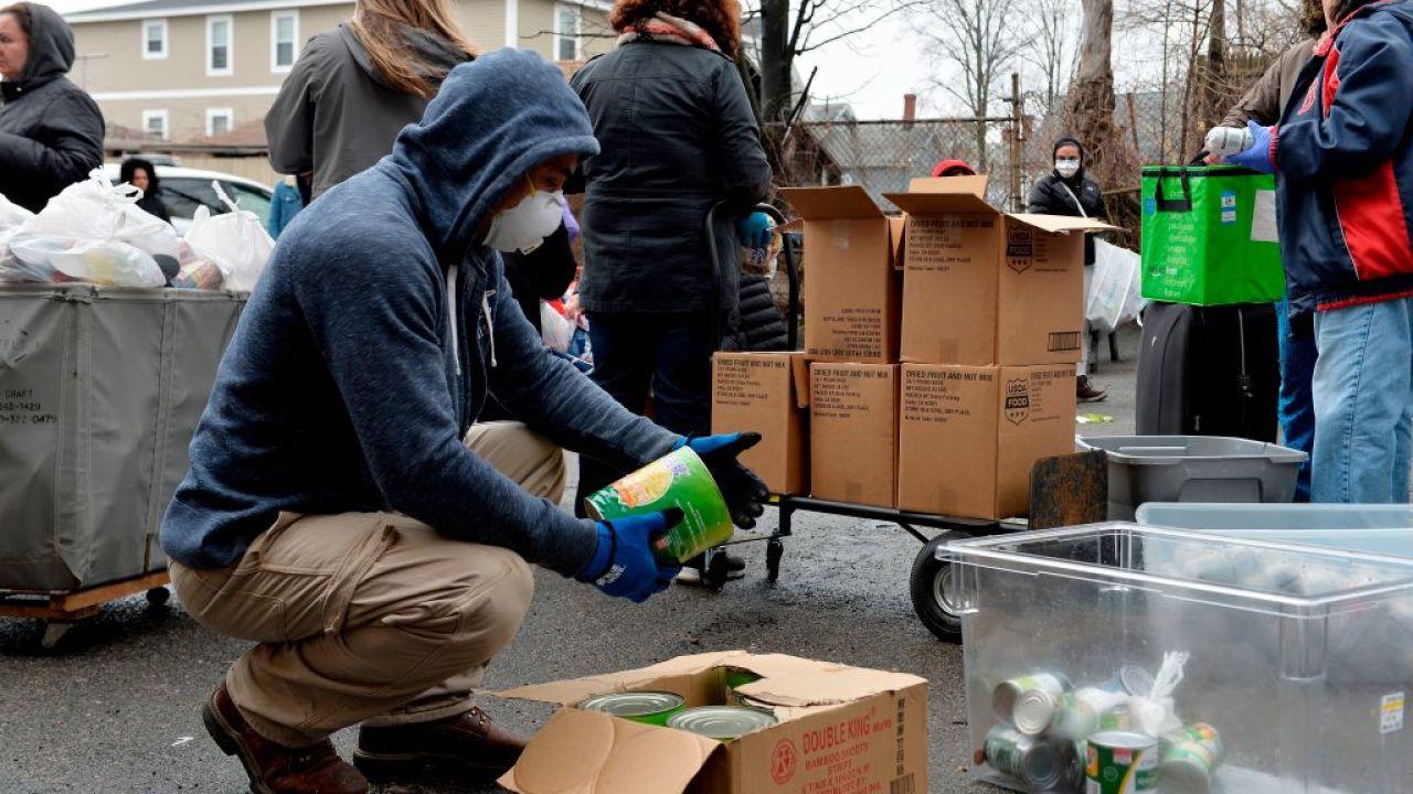 Hier ist, wie Sie helfen können, während der COVID-19-Pandemie in Illinois