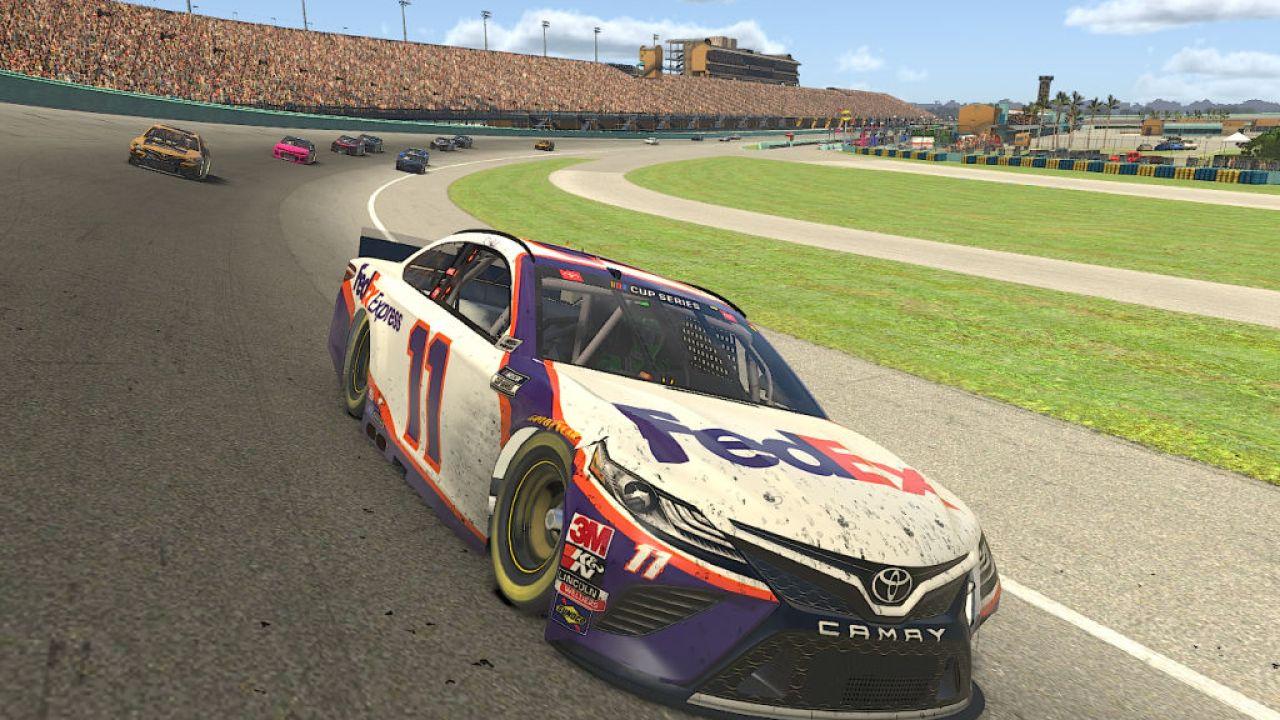 Με το πρόσωπο αγώνες ανασταλεί, NASCAR πάει εικονική