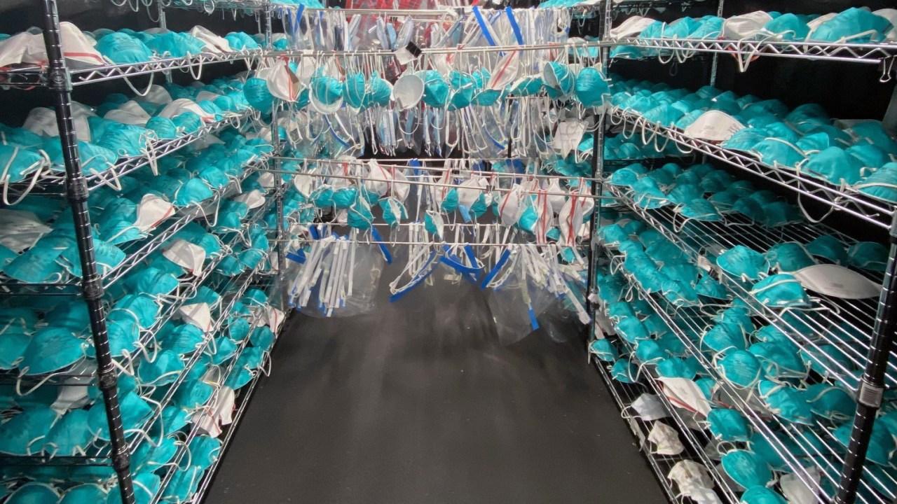 FDA genehmigt plan für Ohio Labor zu sterilisieren Tausende von Masken für die Wiederverwendung