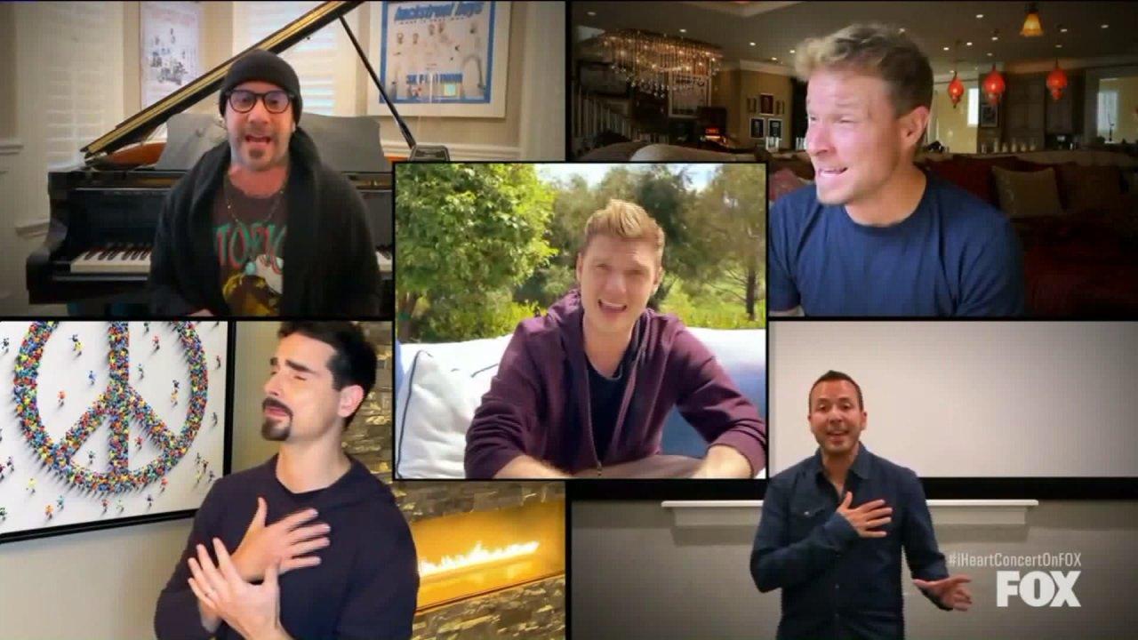 Elton John, Mariah Carey, Backstreet Boys und mehr singen, von zu Hause, um Geld für COVID-19
