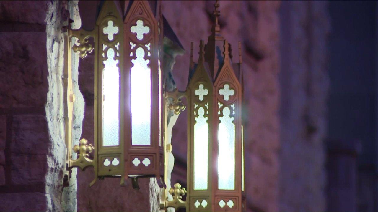Erzdiözese beginnt zu bieten Massen online