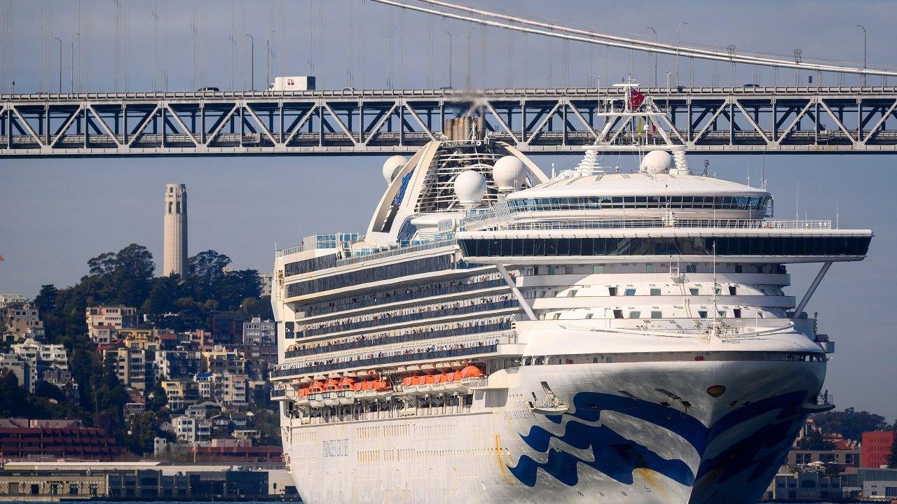 Beberapa masih di atas kapal Grand kapal pesiar Putri menggugat Princess Cruise Lines untuk $1 juta selama coronavirus penanganan