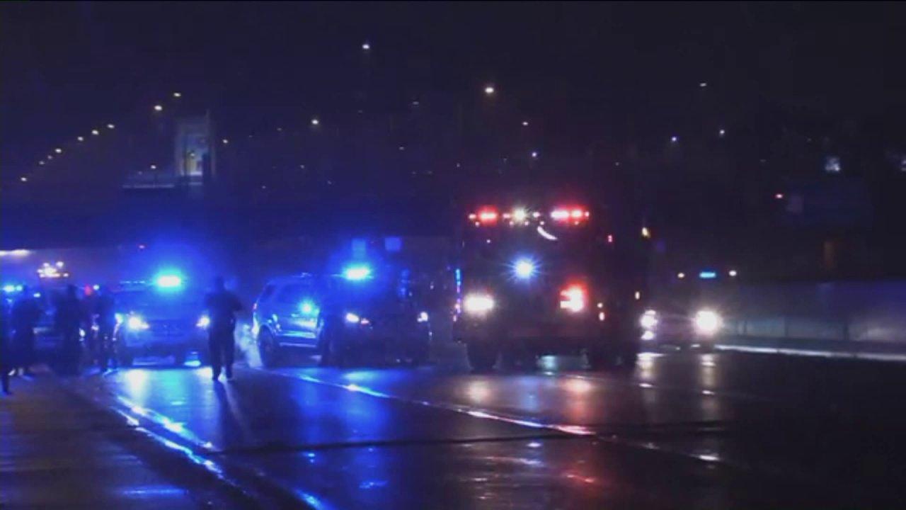 Mann geschlagen, getötet, indem Sie halb auf den Eisenhower Expressway