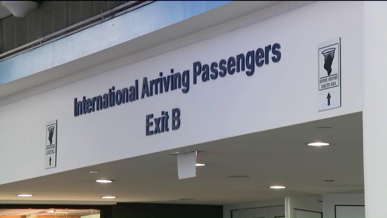 新しい渡航禁止が揺れるまでの航空会社、旅客