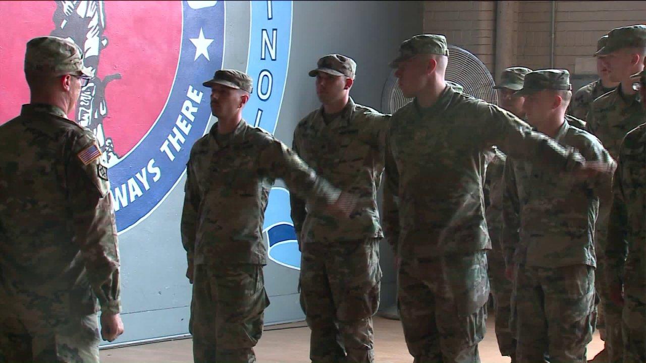 Illinois aktiviert Nationalgarde zu helfen, mit COVID-19-Ausbruch