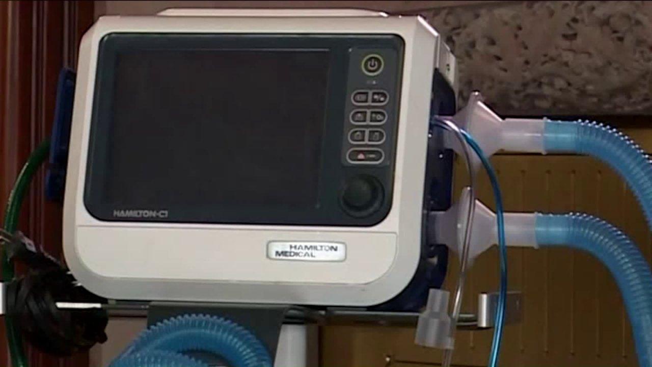 Αναπνευστικού θεραπευτές, οι εξαεριστήρες και τα δύο σε υψηλή ζήτηση, όπως ο ιός εξαπλώνεται