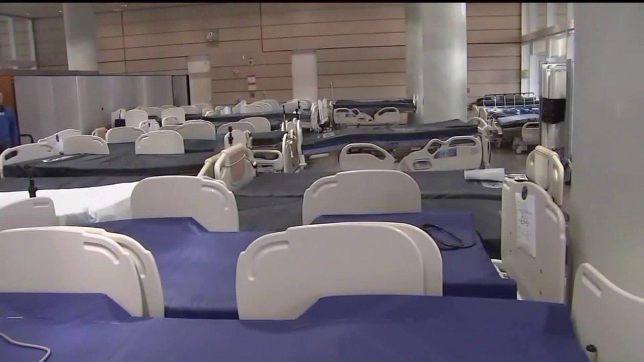 2 μεγάλα Σικάγο νοσοκομεία prep για υπερχείλιση των ασθενών