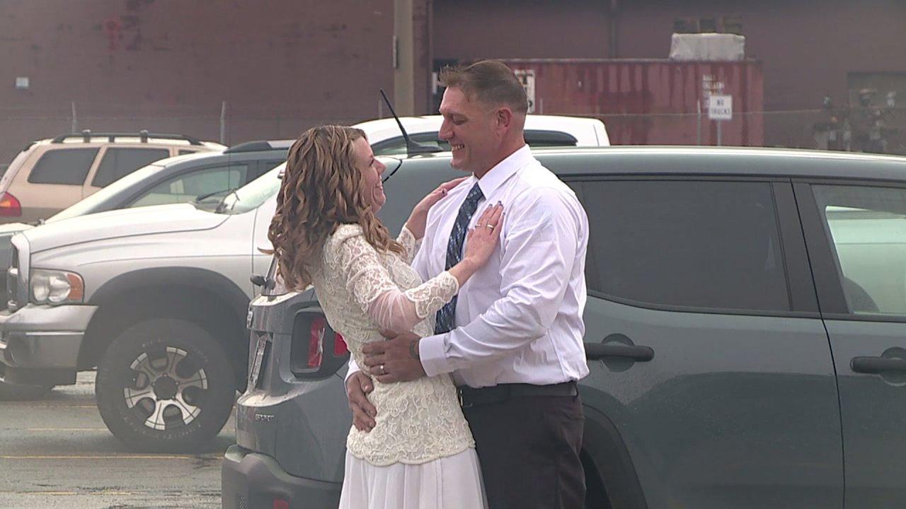 Ohio paar heiratet via live-stream nach dem Abbruch Hochzeit durch COVID-19
