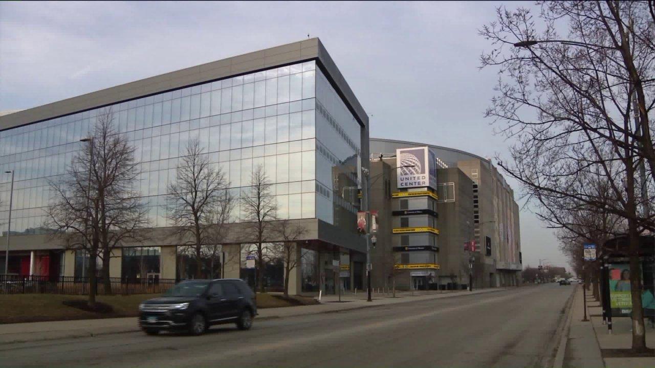 United Center να γίνει COVID-19 logistics hub; περισσότερα ξενοδοχεία συμφωνήσει να νοικιάσετε δωμάτια για τους ασθενείς