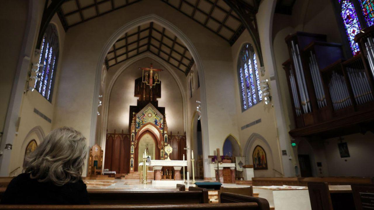 Keuskupan agung Chicago mengatakan umat Katolik tidak perlu mengambil komuni Paskah ini