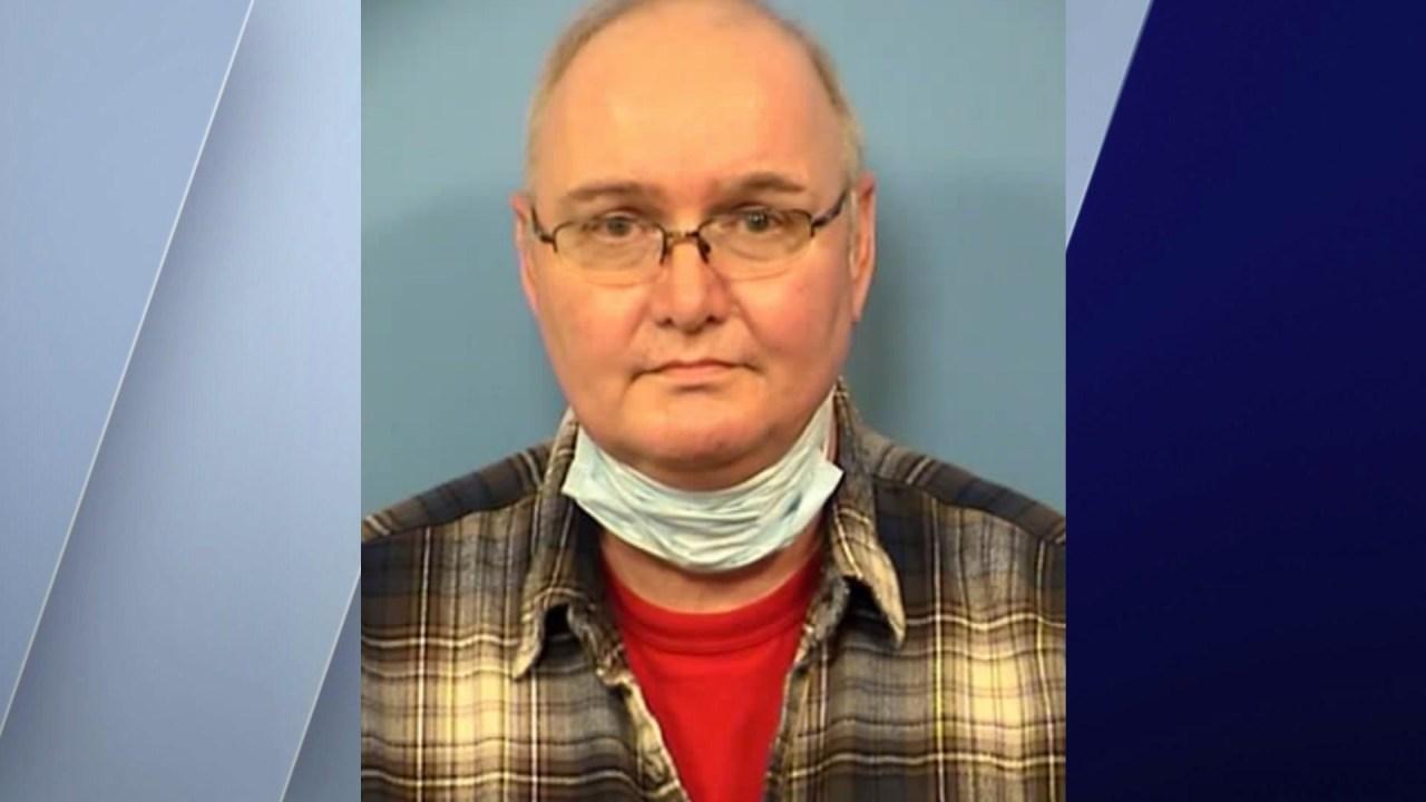 Polisi: Algonquin pria ditangkap setelah mencoba untuk memenuhi 15-year-old boy untuk seks