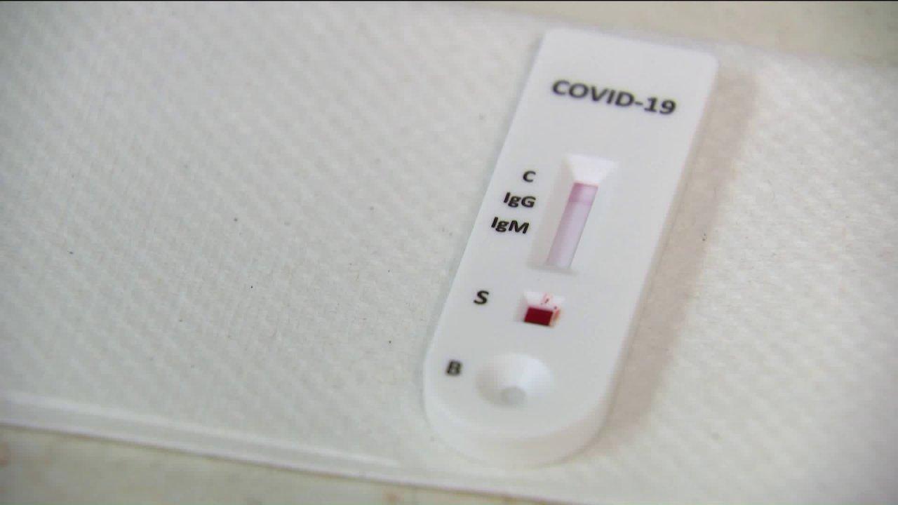 Προαστιακό εταιρεία που βοηθά να δοκιμή για αντισώματα