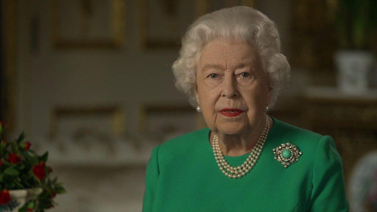 Ratu Elizabeth memberikan jarang alamat untuk bangsa di tengah coronavirus pandemi