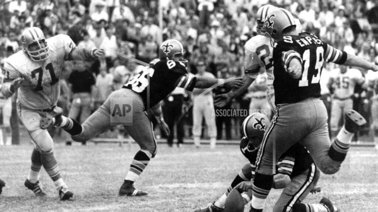 Ex-NFL kicker, orang-orang Kudus pahlawan Tom Dempsey meninggal COVID-19