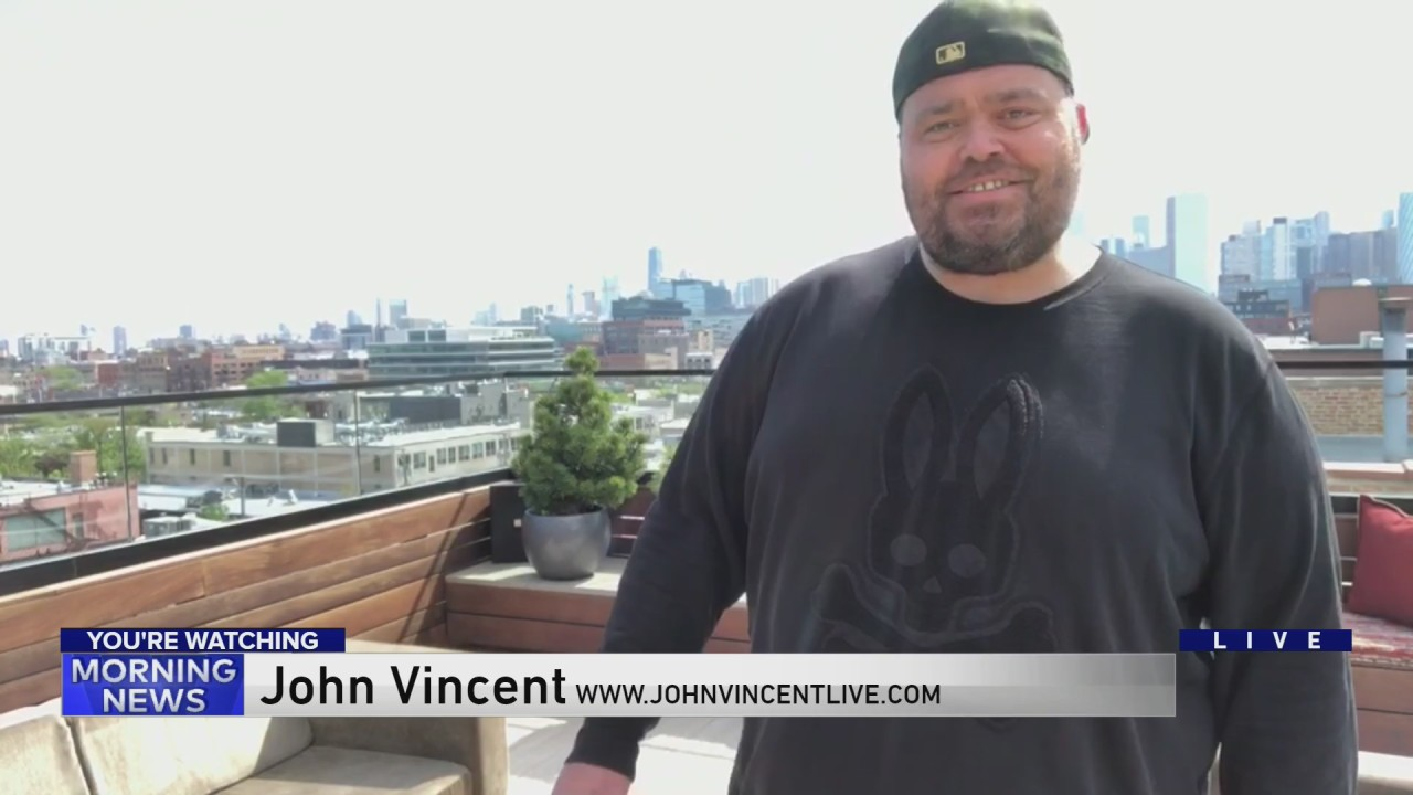 John Vincent sings for all of Chicago