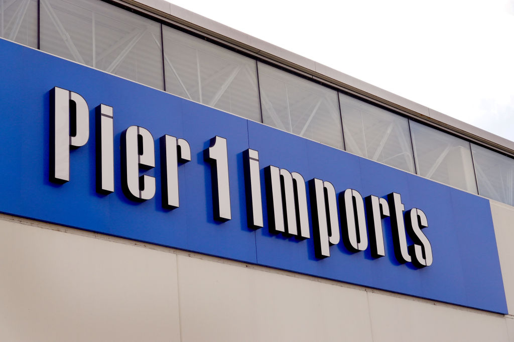 Pier 1 Plans To Permanently Close All Its Stores After Not Finding Buyer Wgn Tv