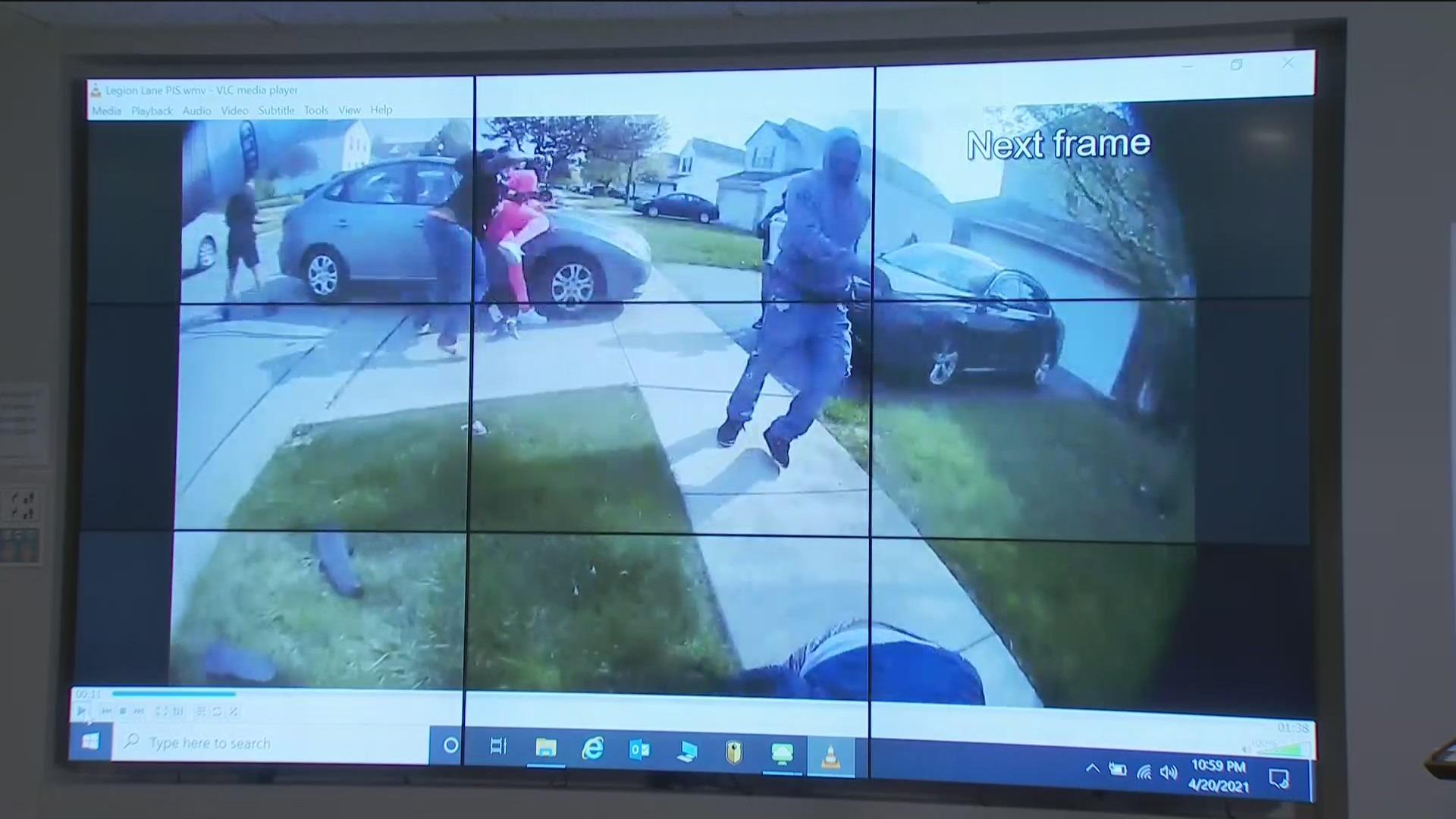 Ohio Police Officer Fatally Shoots Teen Girl Swinging Knife Wgn Tv
