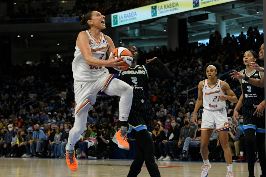 Sky wins 1st WNBA title, defeats Mercury 80-74 in comeback victory
